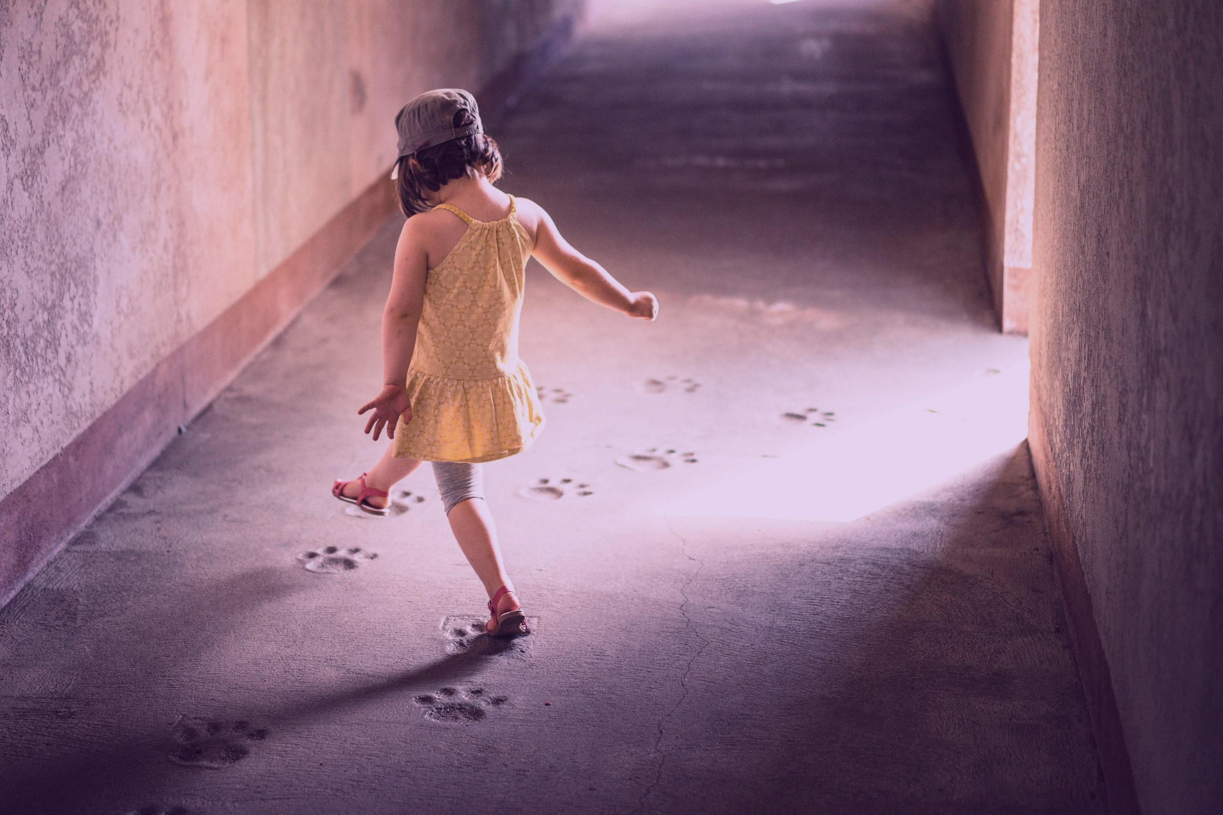 So tun Als-Ob – Warum das Als-Ob-Spiel wichtig für dein Kind ist.